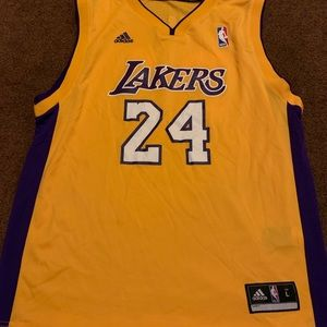 Lakers jersey size large 14-16